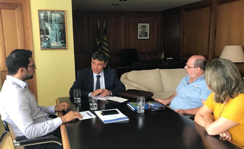 O encontro aconteceu em Brasília nesta segunda-feira(Foto: divulgação CNM)