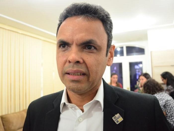 Prefeito Gil Carlos Modesto (Imagem: Portal AZ)