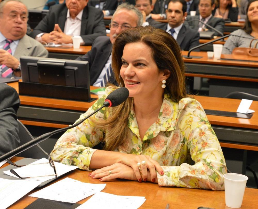 Deputada Iracema Portella - Foto: Facebook/Iracema Portella