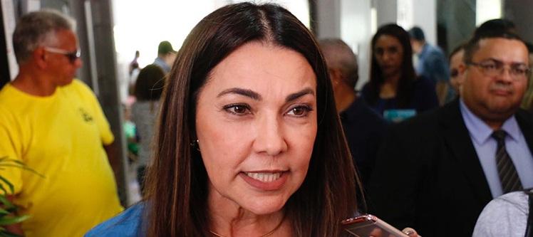 Defesa de Carmelita Castro pede suspeição do presidente do TRE-PI