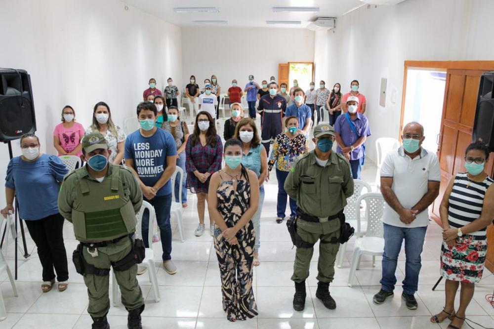 Prefeito Maninho e Secretária de Saúde traçarem medidas de enfrentamento ao Covid-19