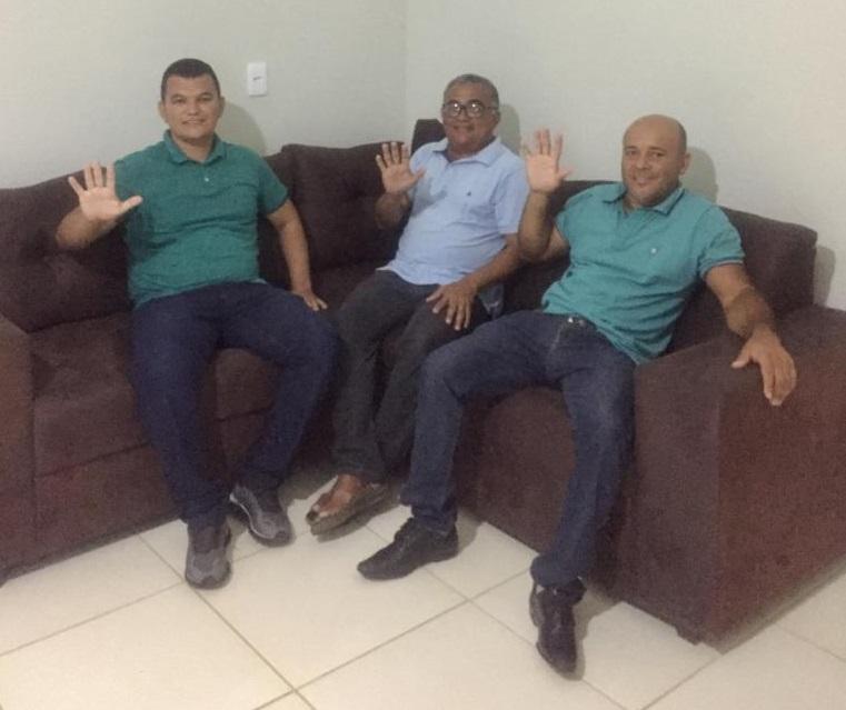 Vereador Valdeci, ex prefeito Bira e vereador Toim (imagem: Portal SRN)