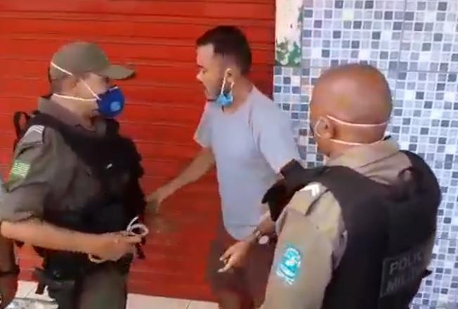 Eduardo Bolsonaro repudia ação da PM contra comerciante em Teresina