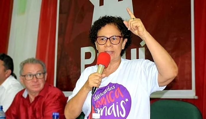 Após insultar médicos, Regina pede desculpas; foi chamada de 'Dilma versão Beta'