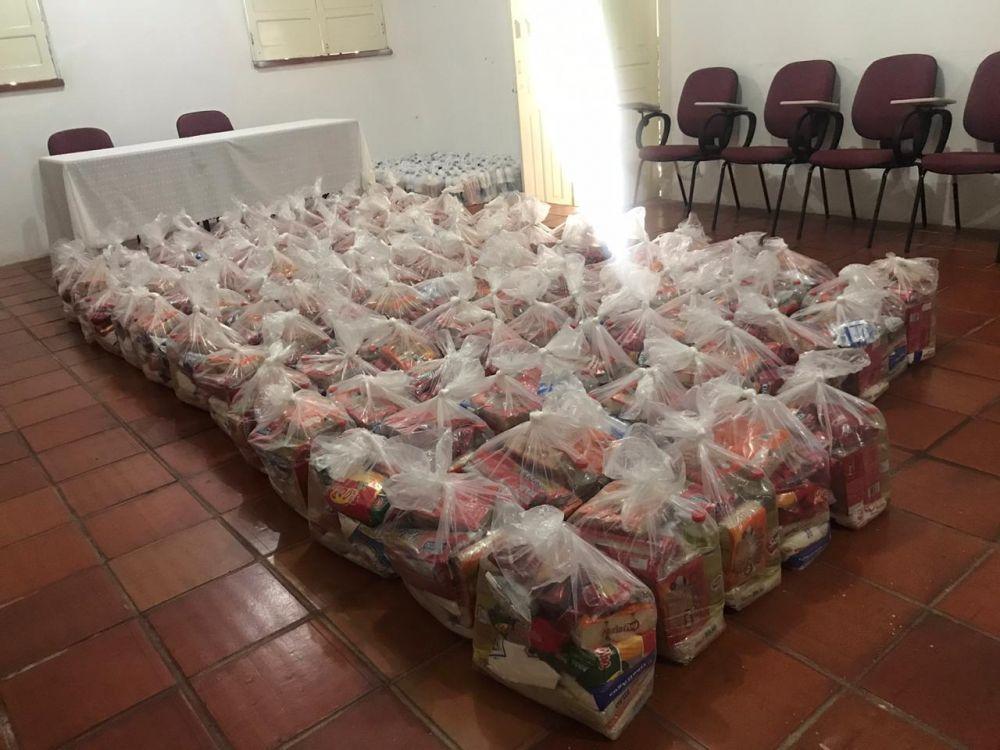 Câmara dos Vereadores de São Raimundo Nonato doa 200 cestas básicas
