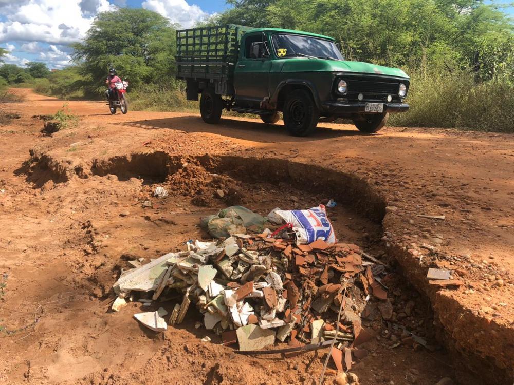 Prefeitura de S.R.Nonato não acata recomendação do MPPI e lixão, esgoto à céu aberto e animais contaminam lagoas do Rio Piauí