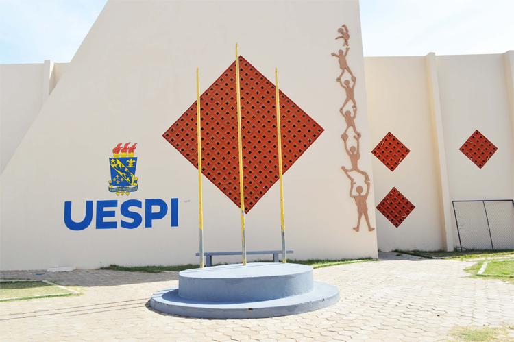 Uespi prorroga suspensão do calendário acadêmico até 31 de julho devido ao coronavírus