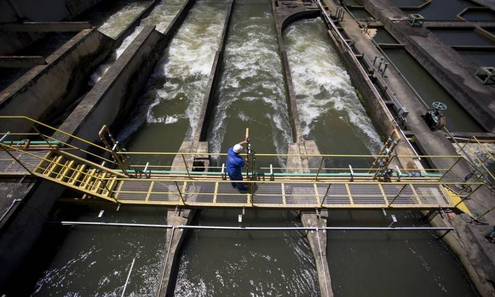 Planalto defende no STF retirada de serviços de água e esgoto da lista de essenciais