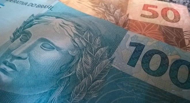 Governo libera R$ 1.045 do FGTS para trabalhadores na segunda