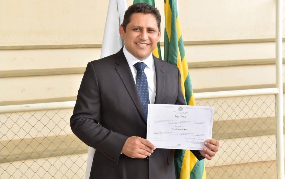 Ministério Público ajuíza ação contra prefeito Gilson Castro