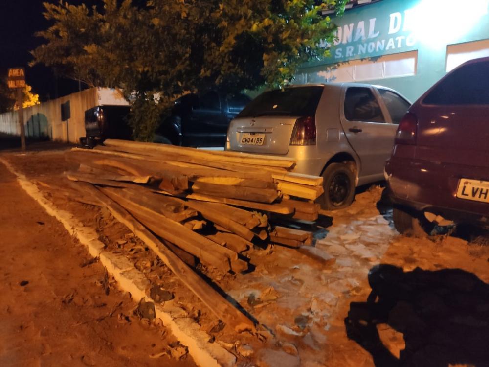 Polícia Ambiental prende três homens por exploração ilegal de madeira no município de Jurema