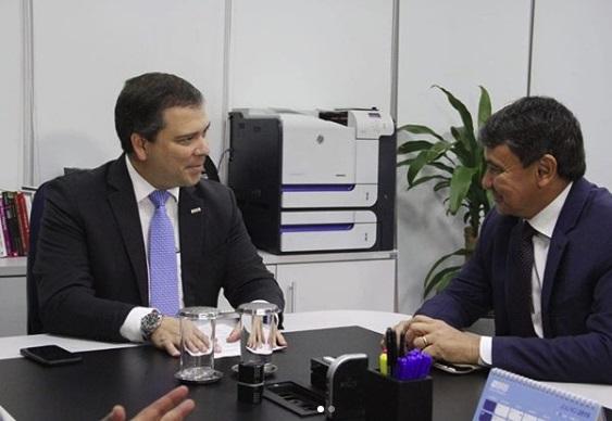 Wellington Dias em conversa com o presidente do BRB, Paulo Costa (Foto: reprodução/Instagram)