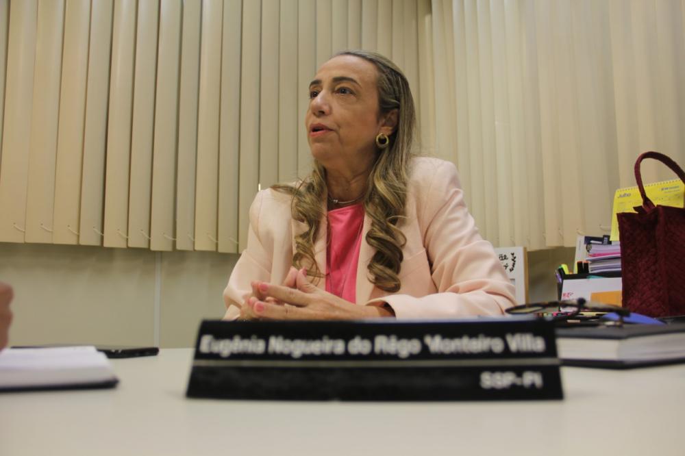 Delegada Eugênia Villa lamenta crimes contra mulheres (Foto: Ricardo Morais/OitoMeia)