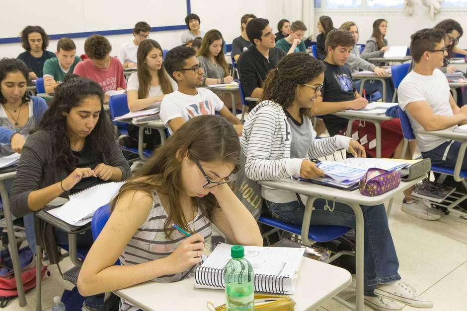 Enem 2019: provas começam a ser aplicadas neste domingo (3) para mais de 5 milhões de estudantes em todo o país (Arquivo: 3/10/2016) Foto: Daniel Teixeira / Estadão Conteúdo