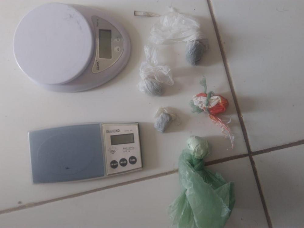 Drogas apreendidas (imagem/divulgação: Polícia Militar)