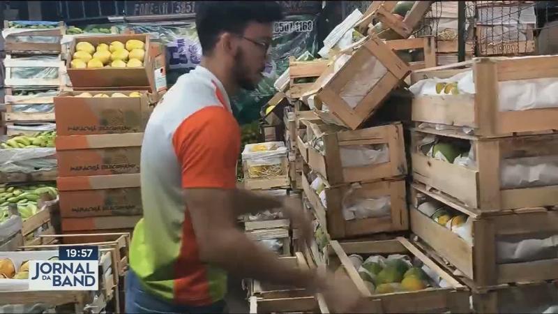 Coronavírus: sem comprador, alimentos vão para o lixo